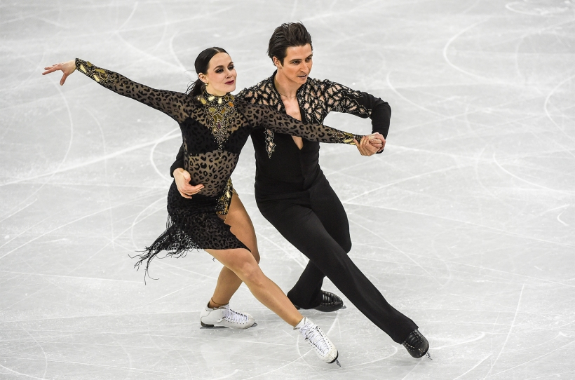 02-Tessa-Virtue-and-Scott-Moir-winter-olympics-2018-billboard-1548